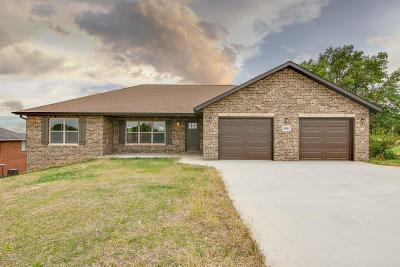 Single Family Home For Sale: 3061 Mercedes Lane