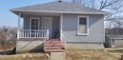 Jefferson City Single Family Home For Sale: 715 Locust Street