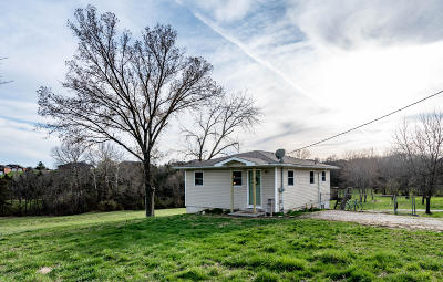 Jefferson City Single Family Home For Sale: 5418 Hakes Lane