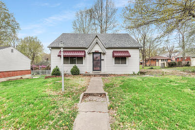 Jefferson City Single Family Home For Sale: 1402 Cottage Lane