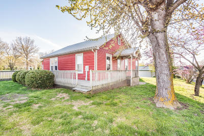 New Bloomfield MO Single Family Home For Sale: $105,000