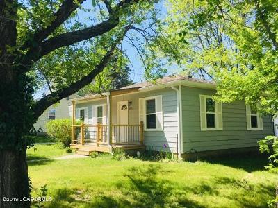 Fulton Single Family Home For Sale: 701 Elm Street