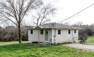 Single Family Home For Sale: 5418 Hakes Lane