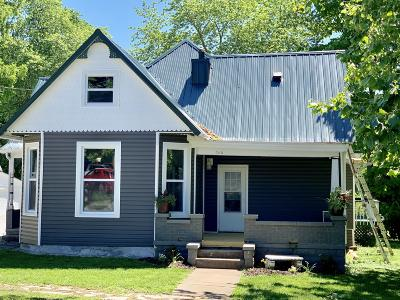 Single Family Home For Sale: 206 S East Street