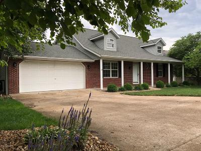 Jefferson City Single Family Home For Sale: 910 Nelson Drive