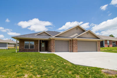 Holts Summit Single Family Home For Sale: 270 Davis Drive