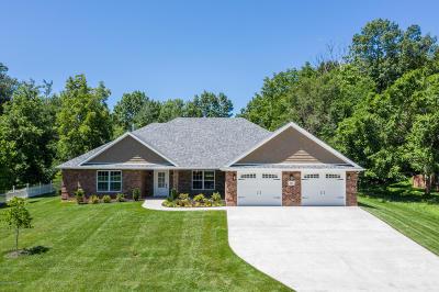 Jefferson City Single Family Home For Sale: 135 N Capistrano Drive