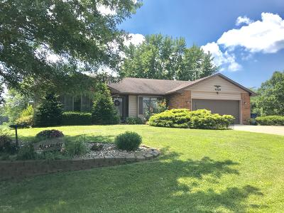 Jefferson City Single Family Home For Sale: 4828 Sunrise Drive