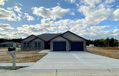 Holts Summit Single Family Home For Sale: 390 Dover