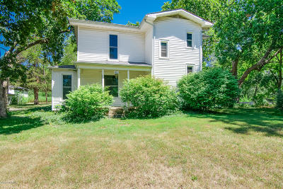 Single Family Home For Sale: 812 E Main Street