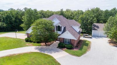Single Family Home For Sale: 5717 Foxfire Lane