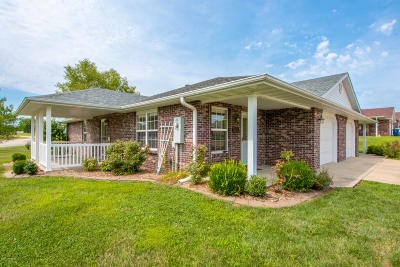 Ashland, Columbia, Hartsburg, Fulton, Holts Summit, New Bloomfield, Centertown, Eugene, Jefferson City, Russellville, Wardsville Single Family Home For Sale: 155 Star Drive B