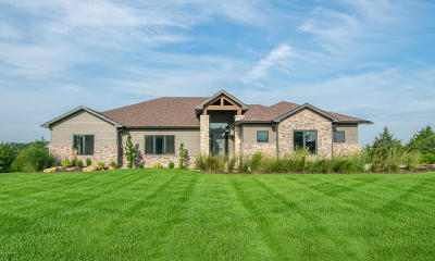 Ashland, Columbia, Hartsburg, Fulton, Holts Summit, New Bloomfield, Centertown, Eugene, Jefferson City, Russellville, Wardsville Single Family Home For Sale: 625 Thorngrass Drive