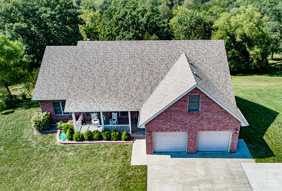 Holts Summit MO Single Family Home For Sale: $274,500