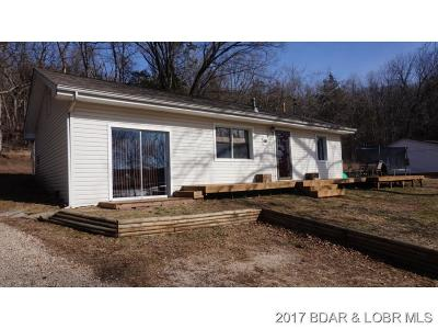 Benton County, Camden County, Cole County, Dallas County, Hickory County, Laclede County, Miller County, Moniteau County, Morgan County, Pulaski County Single Family Home For Sale: 3261 Neongwah Bend Road