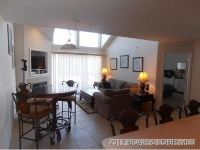 Benton County, Camden County, Cole County, Dallas County, Laclede County, Miller County, Moniteau County, Morgan County, Pulaski County Condo For Sale: 616 4c Clearwater Dr #4C