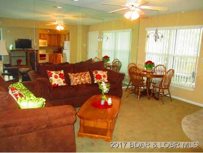 Benton County, Camden County, Cole County, Dallas County, Hickory County, Laclede County, Miller County, Moniteau County, Morgan County, Pulaski County Condo For Sale: 40 Lighthouse Landing #204