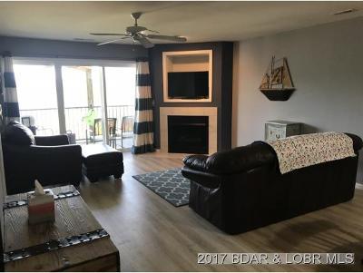 Camdenton Condo Contingent: 773 Clearwater Drive #1C