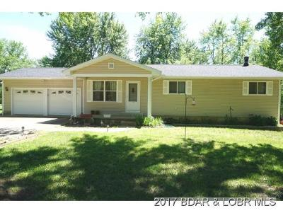 Eldon Single Family Home For Sale: 22 Country Breeze Circle