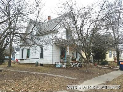 Eldon Single Family Home For Sale: 203 South Locust St.