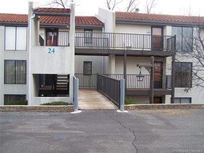 Lake Ozark Condo For Sale: 24 E. Casa Del Rio #2 D/ 689