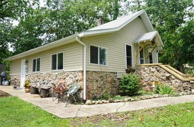 Sunrise Beach Single Family Home Contingent: 167 Kansas City Way