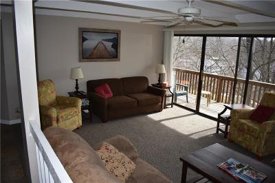 Lake Ozark Condo For Sale: 92 Waters Edge Drive #7-2A