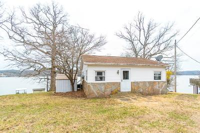 Benton County, Camden County, Cole County, Dallas County, Hickory County, Laclede County, Miller County, Moniteau County, Morgan County, Pulaski County Single Family Home For Sale: 172 Kejo Point Rd