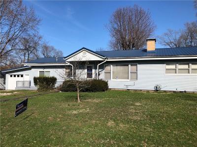 Eldon Single Family Home For Sale: 408 N Grand Avenue