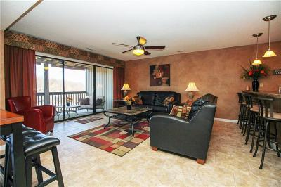 Osage Beach Condo Contingent: 1024 Indian Pointe Drive #1024