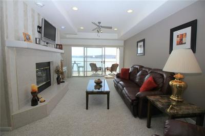 Lake Ozark Condo For Sale: 204 Emerald Bay Drive #2C