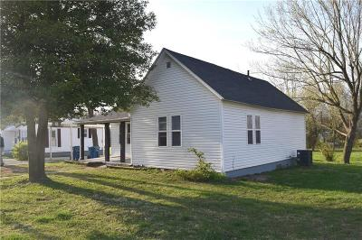 Eldon Single Family Home For Sale: 708 E. North St.