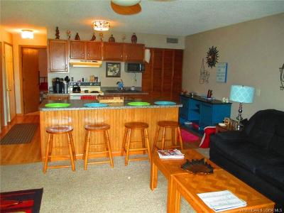 Lake Ozark Condo For Sale: 150 Southwood Shores Drive #91-2B