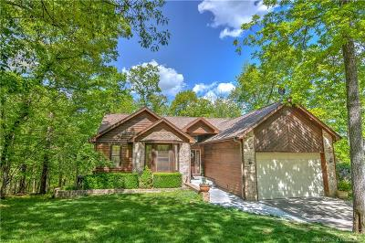 Lake Ozark Single Family Home Contingent: 1587 Country Club Drive