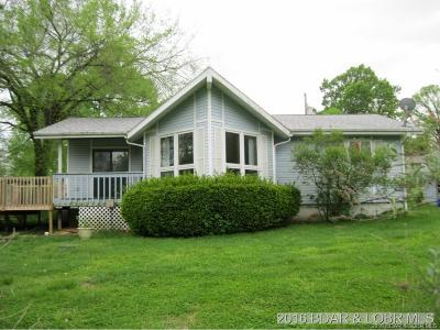 Camdenton Single Family Home Contingent: 207 Red Bud Circle
