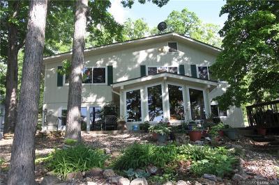 Sunrise Beach Single Family Home Contingent: 615 Castle Garden Road