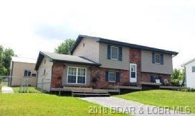 Single Family Home For Sale: 702 Bourbon Street W
