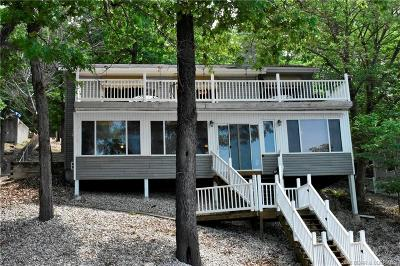 Lake Ozark Single Family Home Contingent: 403 Comanche