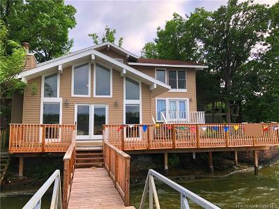Lake Ozark Single Family Home For Sale: 119 Buttercup Road