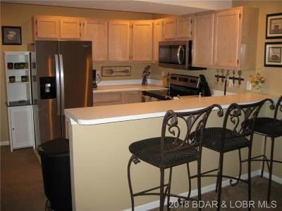 Osage Beach Condo For Sale: 1481 Ledges Drive #733