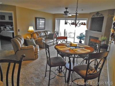 Camdenton Condo For Sale: 686 Clearwater Drive #2D