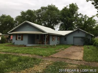 Linn Creek Single Family Home Contingent: 203 Walnut Street W