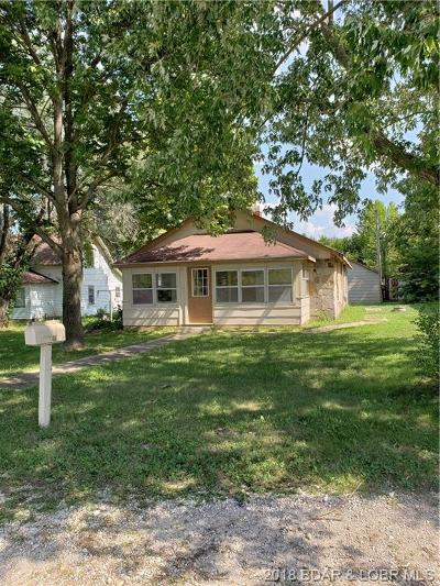 Benton County, Camden County, Cole County, Dallas County, Hickory County, Laclede County, Miller County, Moniteau County, Morgan County, Pulaski County Single Family Home For Sale: 194 State Rd. W