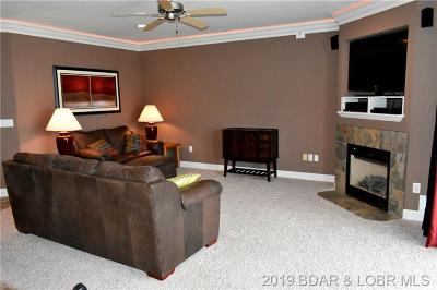Benton County, Camden County, Cole County, Dallas County, Laclede County, Miller County, Moniteau County, Morgan County, Pulaski County Condo For Sale: 1215 Lands End Parkway #654