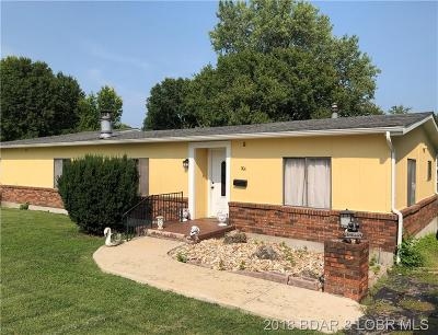Benton County, Camden County, Cole County, Dallas County, Hickory County, Laclede County, Miller County, Moniteau County, Morgan County, Pulaski County Single Family Home For Sale: 904 N. Oak Street