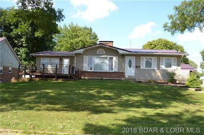 Eldon Single Family Home Contingent: 207 Lynn Avenue