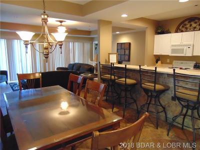 Lake Ozark Condo For Sale: 392 Palisades Condo Drive W #1A