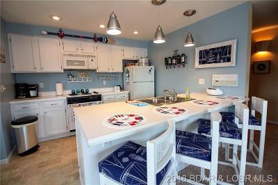 Lake Ozark Condo For Sale: 261 Charleston Drive #1A