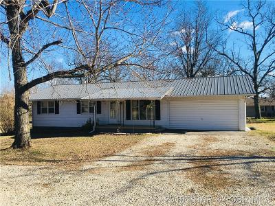 Lebanon Single Family Home For Sale: 22900 Pioneer Drive