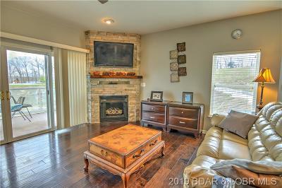 Lake Ozark Condo For Sale: 151 Upper Monarch Cove Drive #4F